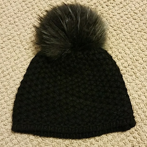 2dd82166ee1 inverni Accessories - Black knit hat with faux fur pom pom